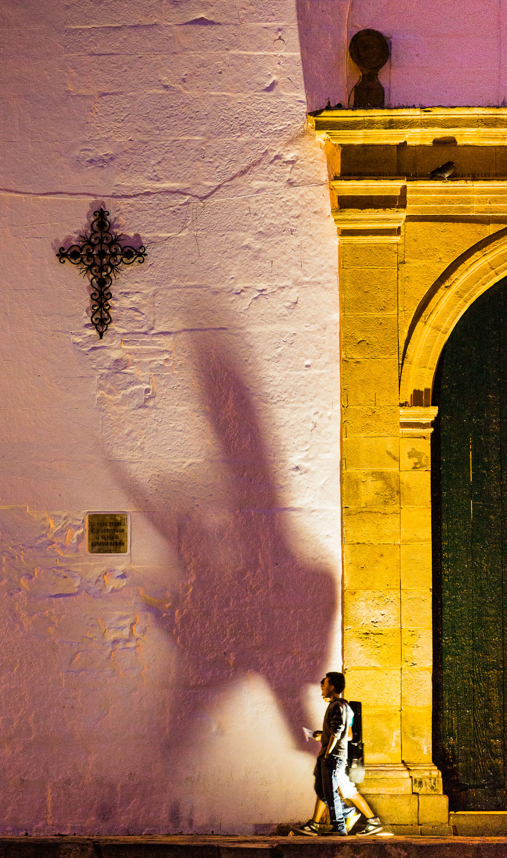 Colombia-Villa-de-Leyva-Cross-Shadow