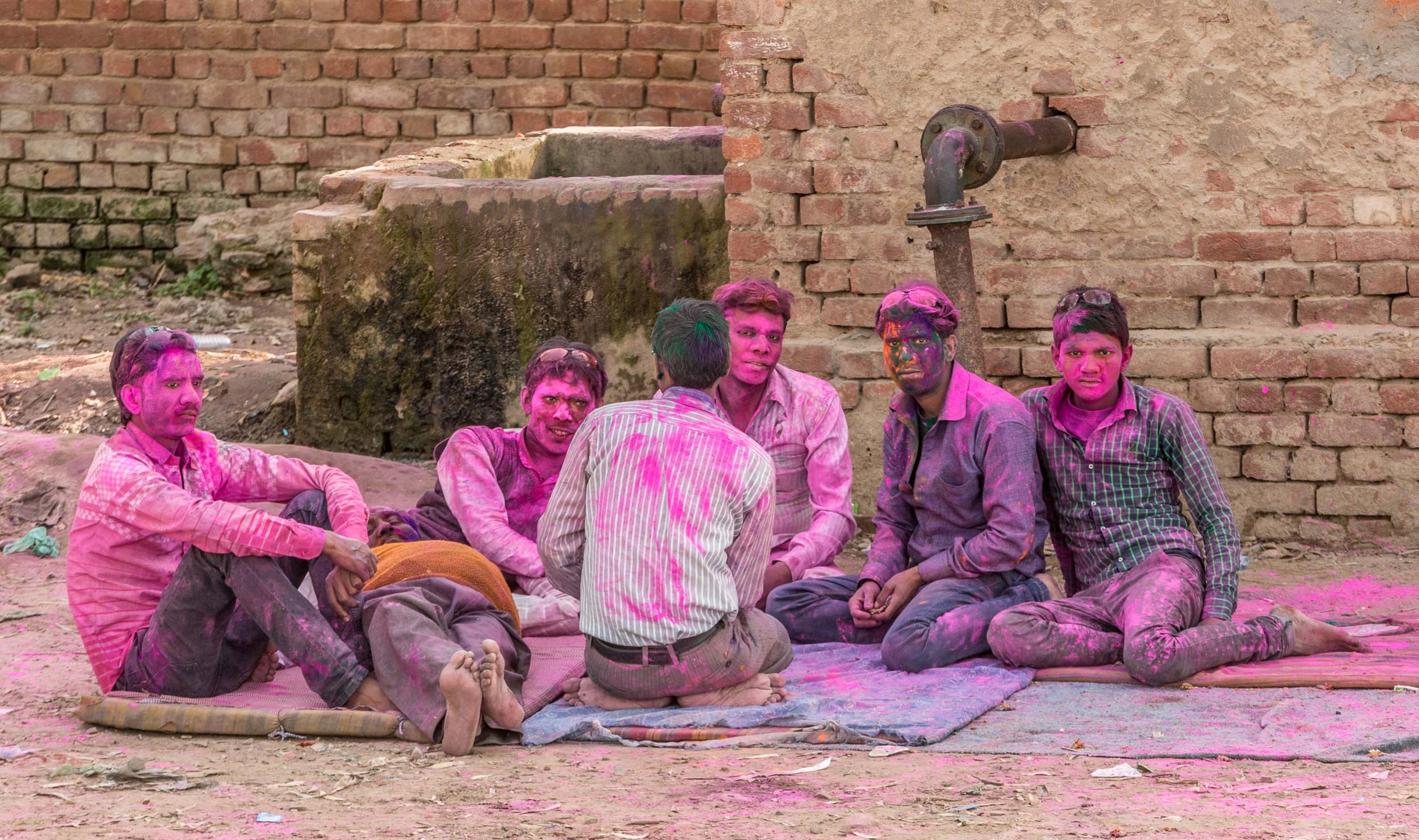 India-Barsana-Six-Pink-Men