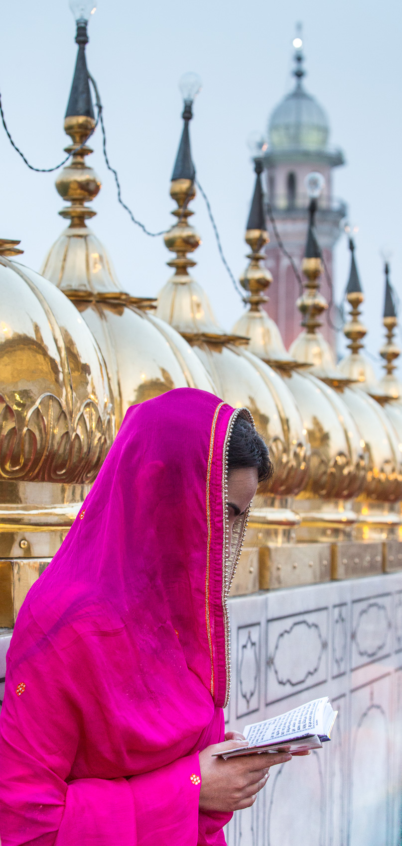 India-Punjab-Amritsar-Golden-Temple-Roof-Woman