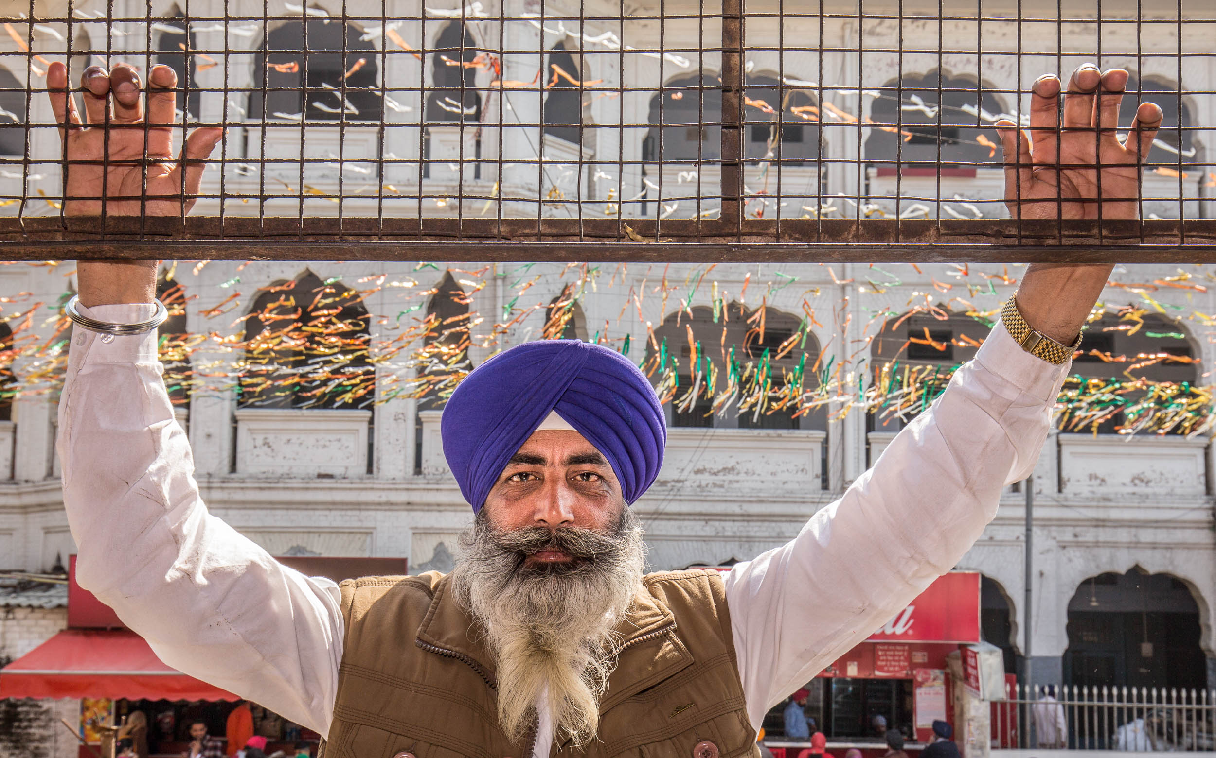India-Punjab-Amritsar-Hands-Up